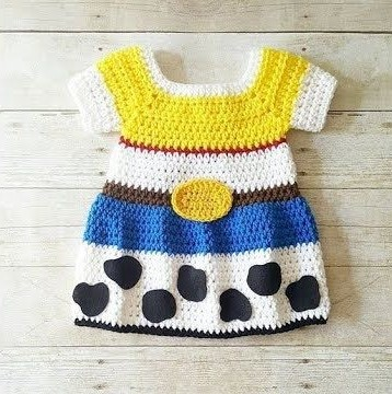 Dazzling Crochet Baby Dress Pattern That You Really Need To Make